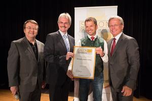 Weingut Adam-Lieleg, links: Geschäftsführer ÖWM Willi Klinger & Landesrat Niederösterreich Karl Wilfing, rechts: Direktor Casino Baden Edmund Gollubitz