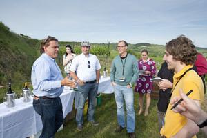 Weingipfel 2011 Niederösterreich - Vineyard Tours & Private Dining with Kamptal Winemakers, Gruppe Strass im Strassertal