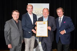Weingut Kolkmann, links: Geschäftsführer ÖWM Willi Klinger, rechts: Leiter Food & Beverage Casinos Austria Oliver Kitz