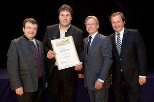 Weingut Müller, links GF Willi Klinger, rechts Dir. Edmund Gollubits, Grand Casino Baden und Mag. Oliver Kitz, Casinos Austria