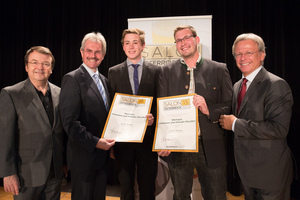 Weingut Johannes & Klaudia Strudler, links: Geschäftsführer ÖWM Willi Klinger & Landesrat Niederösterreich Karl Wilfing, rechts: Direktor Casino Baden Edmund Gollubitz
