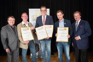 Weingüter Kästenburg, Regele & Erzherzog Johann Weine, links: Geschäftsführer ÖWM Willi Klinger, rechts: Leiter Food & Beverage Casinos Austria Oliver Kitz