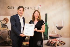 Weingut Schneeberger, Präsident des österreichischen Weinbauverbandes NR Hannes Schmuckenschlager