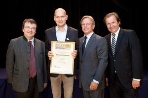Weingut Scheucher, links GF Willi Klinger, rechts Dir. Edmund Gollubits, Grand Casino Baden und Mag. Oliver Kitz, Casinos Austria