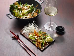 Wok Gemüse und Weißwein