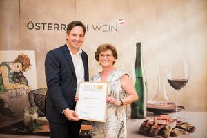 Weingut Sommer, Präsident des österreichischen Weinbauverbandes NR Hannes Schmuckenschlager