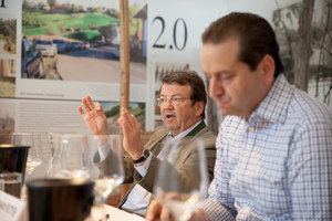 """Weingipfel 2017: Seated Tasting """"Great Wines of Südsteiermark – Sauvignon Blanc and Morillon – Vintage 2015""""; Presented by: Gerhard Retter (Sommelier & Owner Fischerklause Lütjensee and Cordobar) and Willi Klinger (Managing Director of AWMB), Vinofaktur and Genussregal, Vogau"""