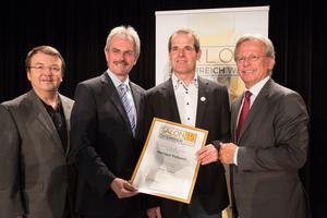 Weingut Puhwein, links: Geschäftsführer ÖWM Willi Klinger & Landesrat Niederösterreich Karl Wilfing, rechts: Direktor Casino Baden Edmund Gollubitz