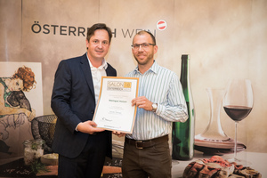 Weingut Holzer, Präsident des österreichischen Weinbauverbandes NR Hannes Schmuckenschlager
