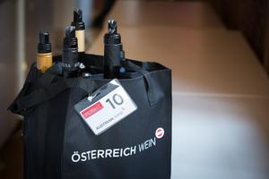 """Weingipfel 2015 - Flightverkostung """"GRÜNER VELTLINER – EINE ANTHOLOGIE GROSSER WEINE"""", inkl. Lunch, Palais Niederösterreich, Herrengasse 13, 1010 Wien"""