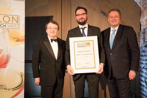 SALON 2015 Auserwählte: Weingut Jurtschitsch, Kamptal (Bild Mitte), links: Geschäftsführer ÖWM Willi Klinger, rechts: Bundesminister für Land- und Forstwirtschaft, Umwelt und Wasserwirtschaft Andrä Rupprechter