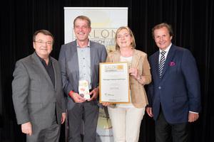 Weingut Heinzl-Gettinger, links: Geschäftsführer ÖWM Willi Klinger, rechts: Leiter Food & Beverage Casinos Austria Oliver Kitz